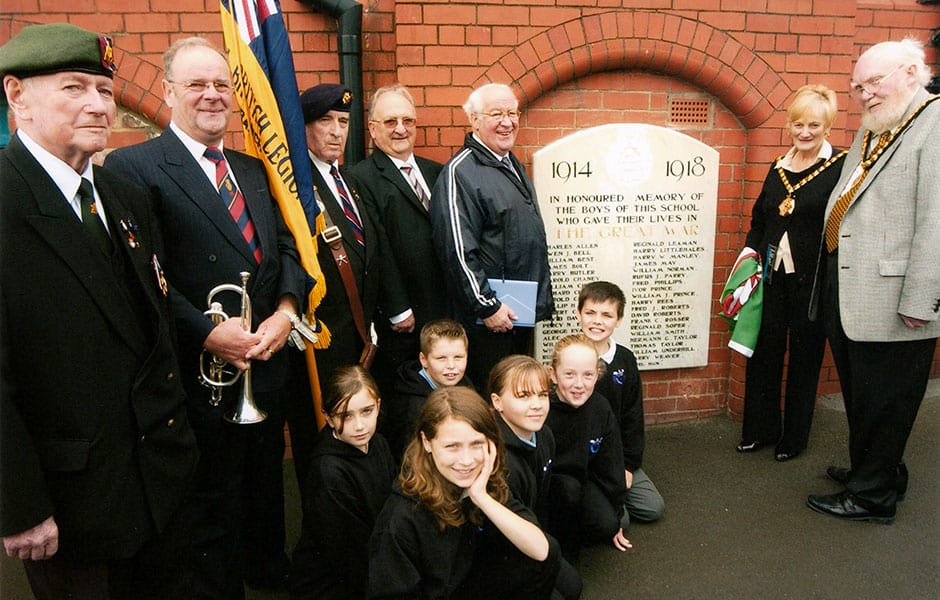Barry-School-Plaque-unveiling-2008-Oct