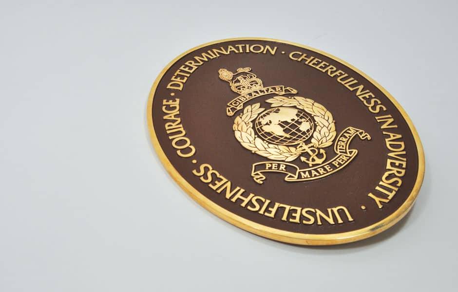 Round commemorative plaque